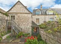 5 bedroom Cottage to rent in VICTORIA STREET...