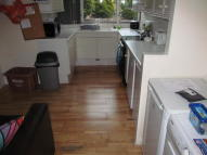 10 bedroom semi detached house to rent in NO STUDENT FEES...