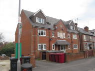 Flat to rent in Addington Road, Earley...