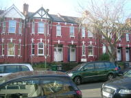 2 bedroom Flat in Hillview Gardens, London...