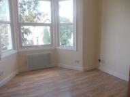 Apartment in DE VERE GARDENS, Ilford...