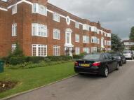 Flat to rent in BALLARDS LANE, London, N3