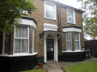 Studio flat in RALEIGH CLOSE, London...