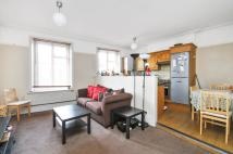 Flat to rent in Salusbury Road...
