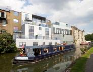 3 bedroom Flat in Waterside...