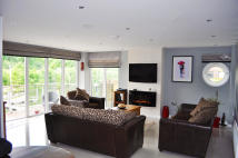 3 bed Flat to rent in Victoria Wharf...