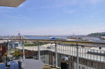 3 bed Penthouse in Victoria Wharf...