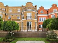 Ground Flat in Princess Square, Esher...