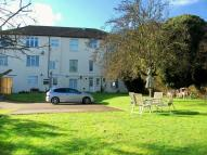 1 bed Ground Flat to rent in King Edward Road...