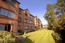Flat for sale in Friern Park, London, N12