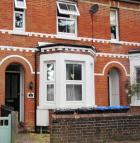 1 bedroom Ground Flat to rent in GREEN HEDGES AVENUE...