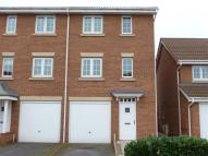 Kingfisher Way Town House to rent