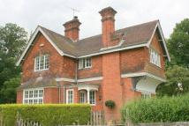 3 bed Detached property to rent in Four Elms, Kent