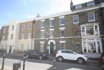 1 bedroom Flat to rent in Castle Street