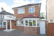 4 bedroom Detached house in Sandal Road, New Malden