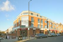 Flat to rent in Lambton Road Raynes Park...