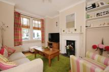 2 bedroom house in Bronson Road Raynes Park...
