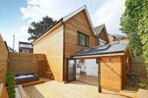4 bed house in Worple Road Raynes Park...