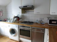 Hoyle Road Flat to rent