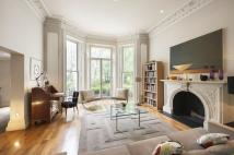 Ground Maisonette for sale in Holland Park, London, W11