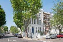 7 bed house in Abingdon Road, London, W8