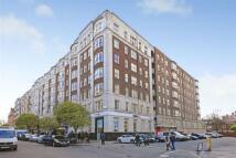 Apartment in Queensway, London