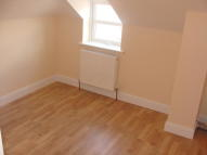 Flat to rent in High Road, Southampton...