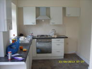 Ground Flat to rent in Drayton Road, Tottenham...
