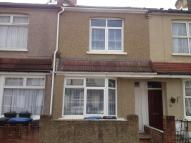 3 bed Terraced house in Sunnyside Road South...