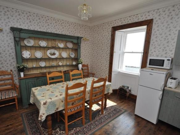 Cottage 1 - Dining room