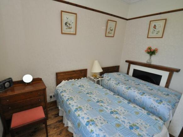 Cottage 2 - Bedroom 2