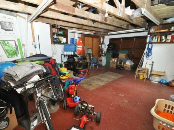 Garage/Workshop