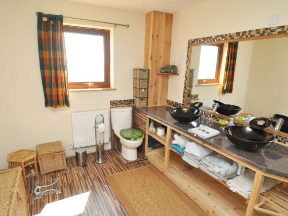 Well's Cottage - Bathroom
