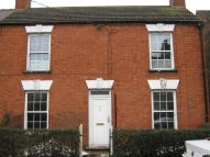 Terraced house in HAMILTON ROAD, Alford...