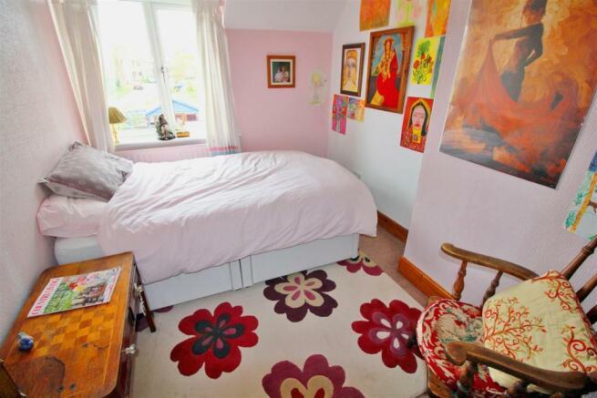 Bedroom Tw.jpg