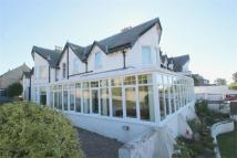Detached property in 1 Laverock Bank...