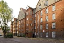 3 bed Flat for sale in Hedsor House...