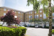 2 bed Flat to rent in Fuller Close, London, E2