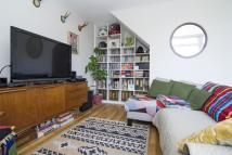 Flat for sale in Kingsgate Estate...