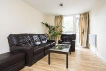 Flat to rent in Patterson Court...