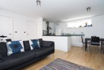 2 bed Flat to rent in Kings Arms Court, London...