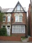 5 bed semi detached property to rent in 28 Hallewell Road...