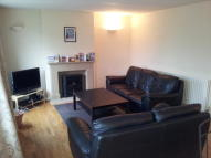 Flat to rent in Hindon Square...