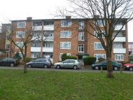 2 bedroom Apartment in Kenton Road, HARROW