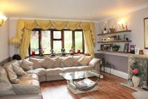 5 bedroom Detached house in Steeds Way, Loughton...