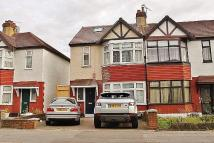 Flat to rent in NEW NORTH ROAD, Ilford...