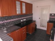 Bungalow to rent in Lymington Avenue...