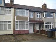 1 bedroom Flat to rent in Tennyson Way, Hornchurch