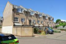 Town House to rent in CAMBRIDGE GROVE, Hove...