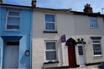 3 bedroom Terraced house to rent in 7 Duncan Road, Southsea...